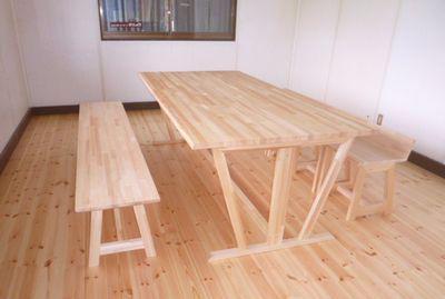 たるけん作業所の休憩室、テーブルとイス新調:画像