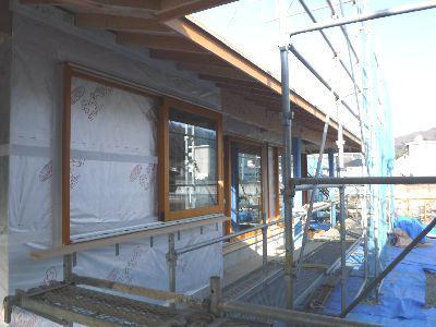 【福島市渡利・I邸/伊礼智設計室】 木製サッシ、軒天、外壁作業へ:画像