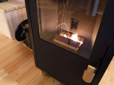 【郡山市開成・ドミノS邸】 ペレットストーブの火入れ式:画像