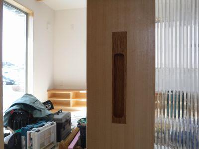 【郡山市開成・ドミノK邸 】 木製建具、手触りよい取っ手:画像