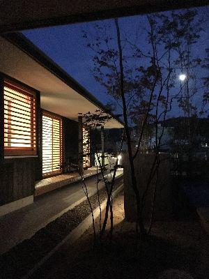 【福島市渡利・I邸/伊礼智設計室】 満月の夜に:画像