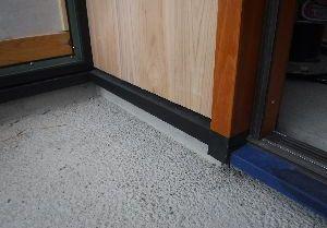 【郡山市久留米・ドミノK邸 】 板張りと木製玄関ドア:画像