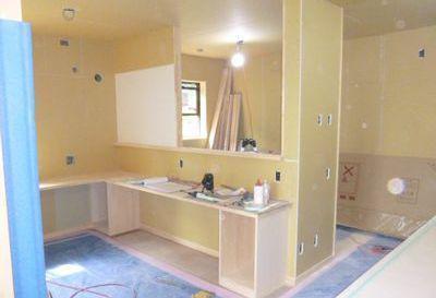 【須賀川市泉田・T邸 】 カウンターや収納の造作も次々と:画像