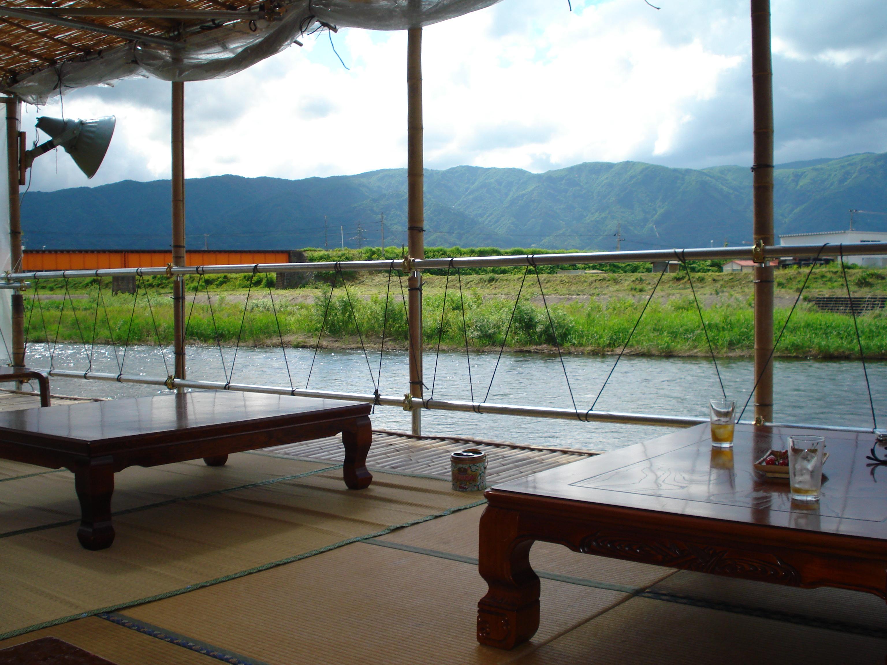 今年も川床茶屋がオープンしました:画像