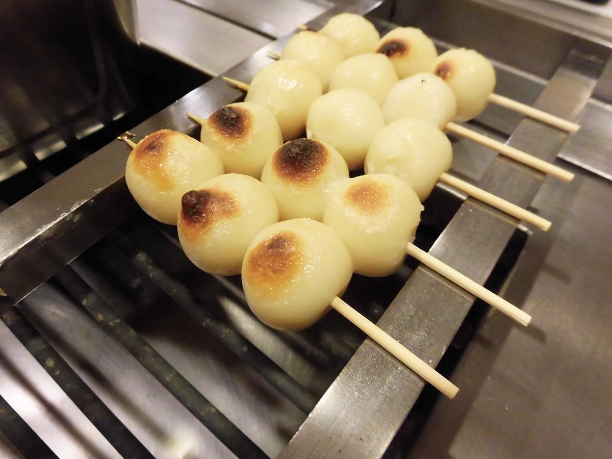 【朝食に新登場!】焼いてこんがり「みたらし焼団子」