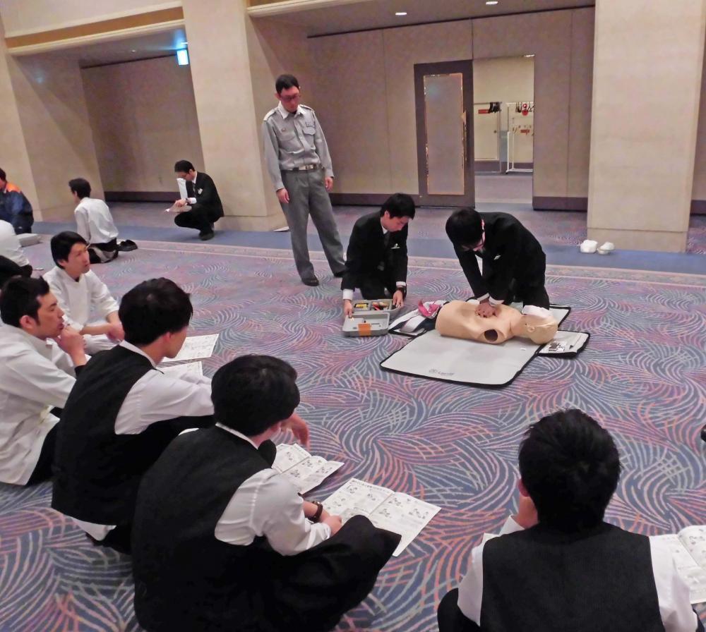定期的に救急手当講習を行っています:画像