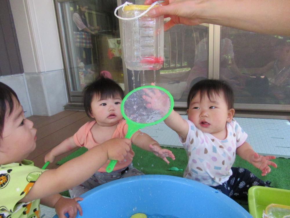 0歳児 こうめ組 水遊び