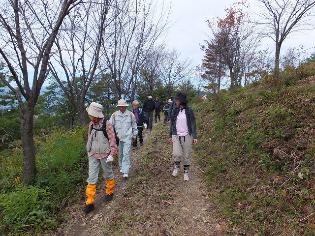 JR東日本企画 駅長オススメの小さな旅 『絶景八ヶ森と秋風のトロッコ道・置賜白川フットパスを歩こう』絶好の秋日和のなか、満喫されました。:画像