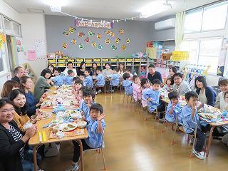 10月25日 給食参観日(年少組)