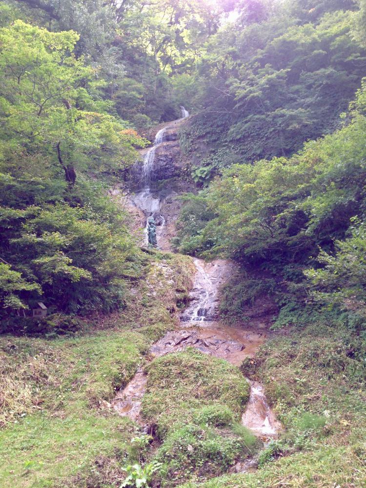 秋の関根大滝
