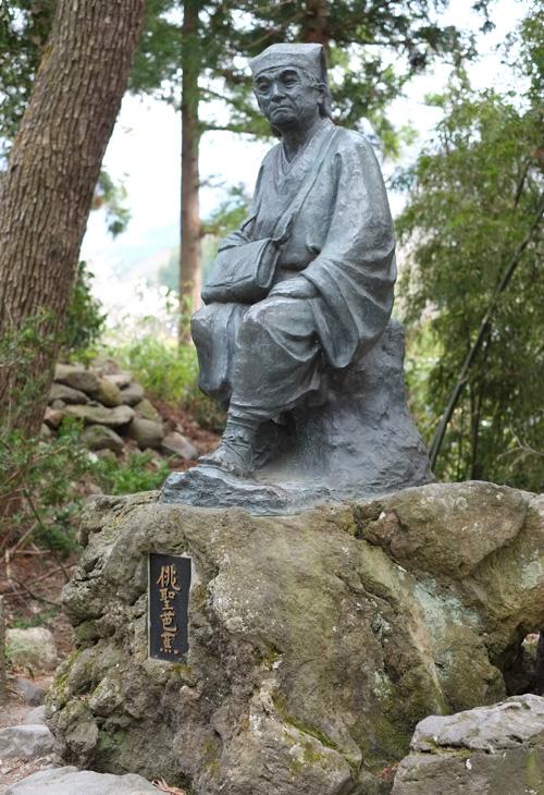 山寺《松尾芭蕉像》俳聖と呼ばれた詩人