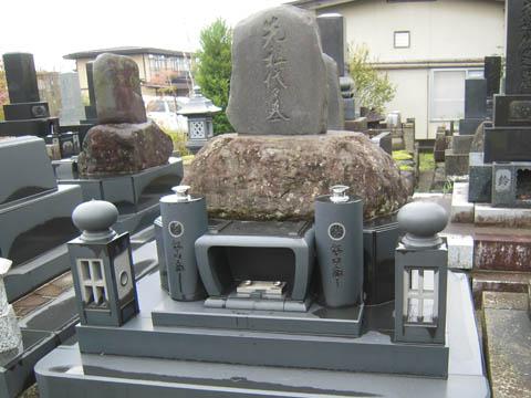 2010/03/22 10:29/先祖を活かして建てた墓