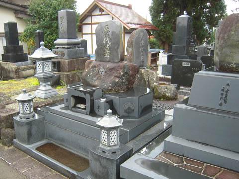 2011/03/22 10:30/先祖を活かして建てた墓 その2