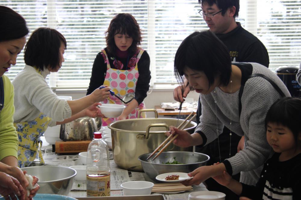 YIRA餅つき新年会!開催しました!