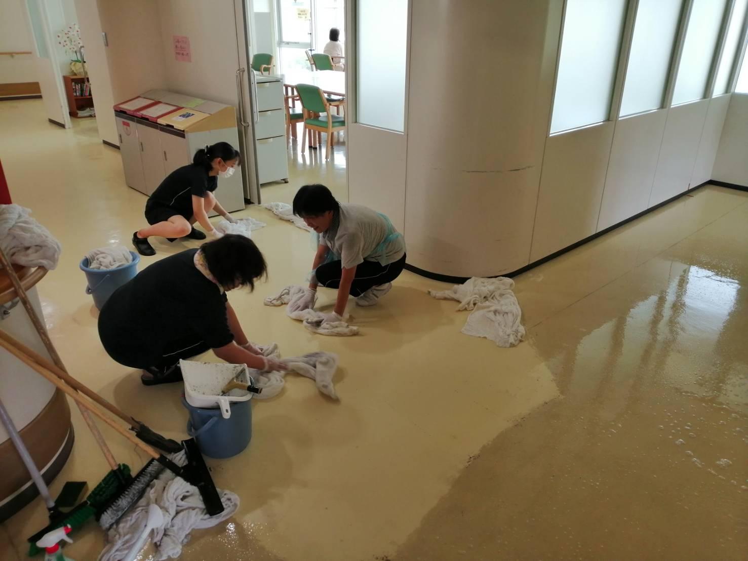 3病棟の床:画像