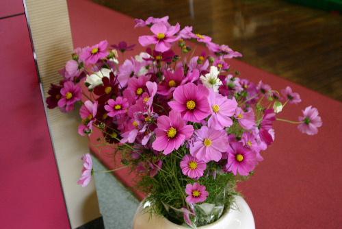 ロビーを飾る秋の香りがいっぱいの花