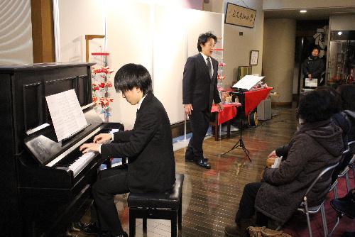 素敵なテノールの美声と柔らかなピアノの音色を堪能