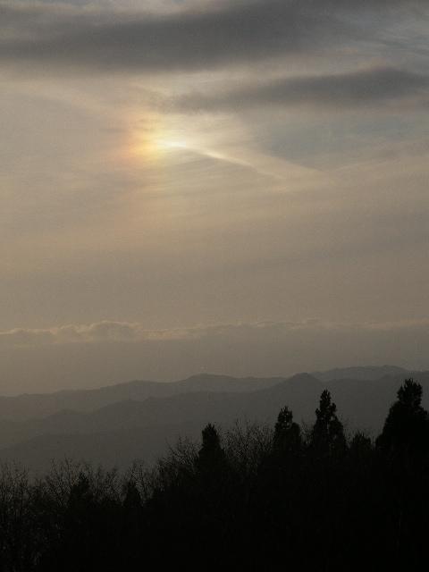 樹氷橋から西にかけて彩雲が・・・