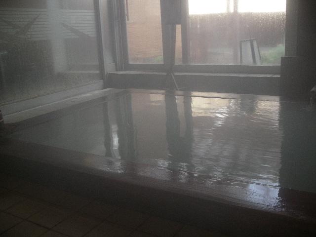 こちらは内風呂~ひのき風呂