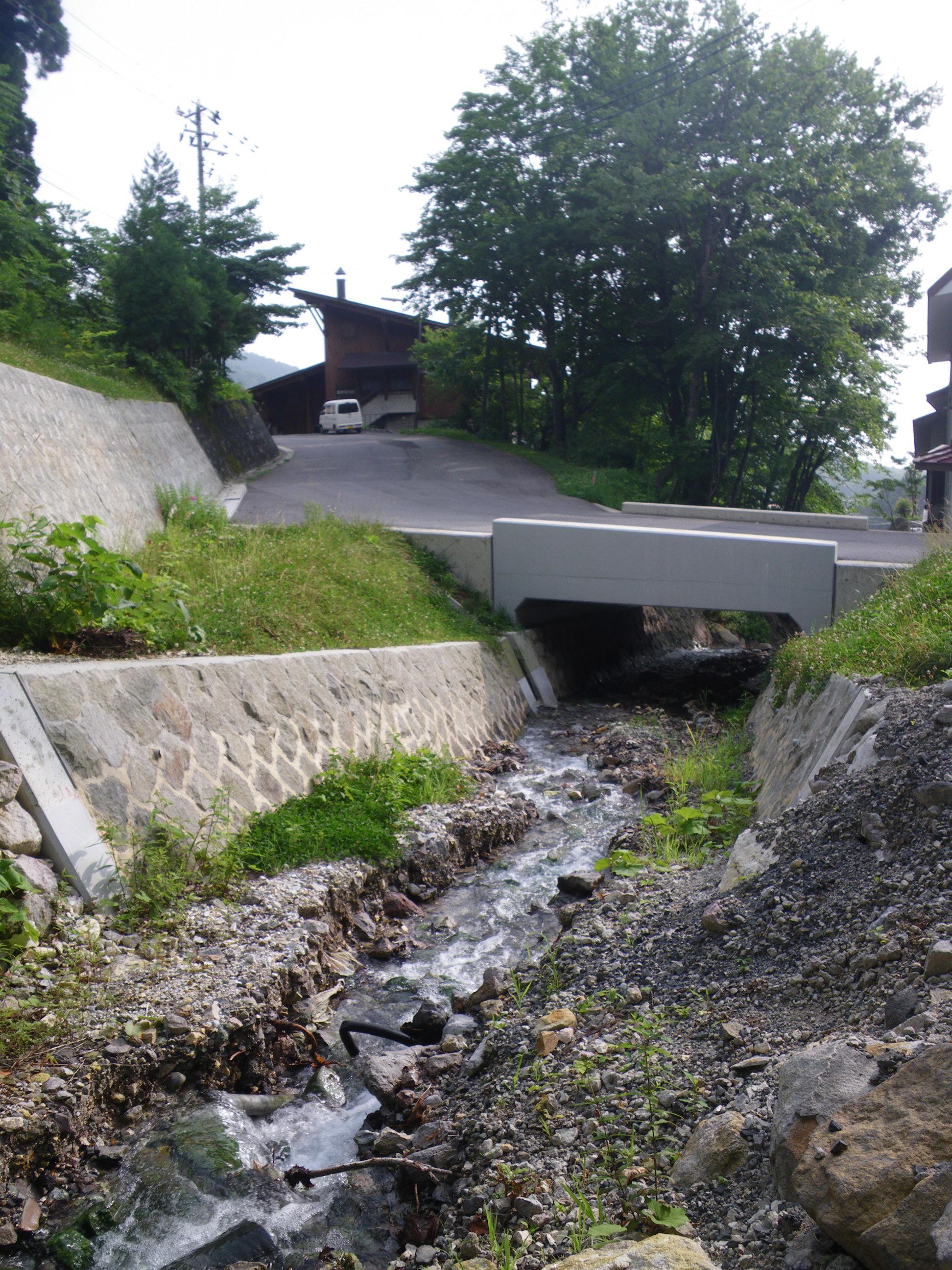 ヴァルトベルクや故郷へいく二度川の橋